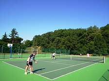 Tennis and multisports at Domaine de Gavaudun cottages resort and holiday park in Dordogne Lot