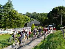 Groups hiking biking Cycling at vacation rental in holiday park in Dordogne Lot Gavaudun