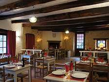 Auberge de Vezou restaurant with gites holiday cottages in the Dordogne Lot